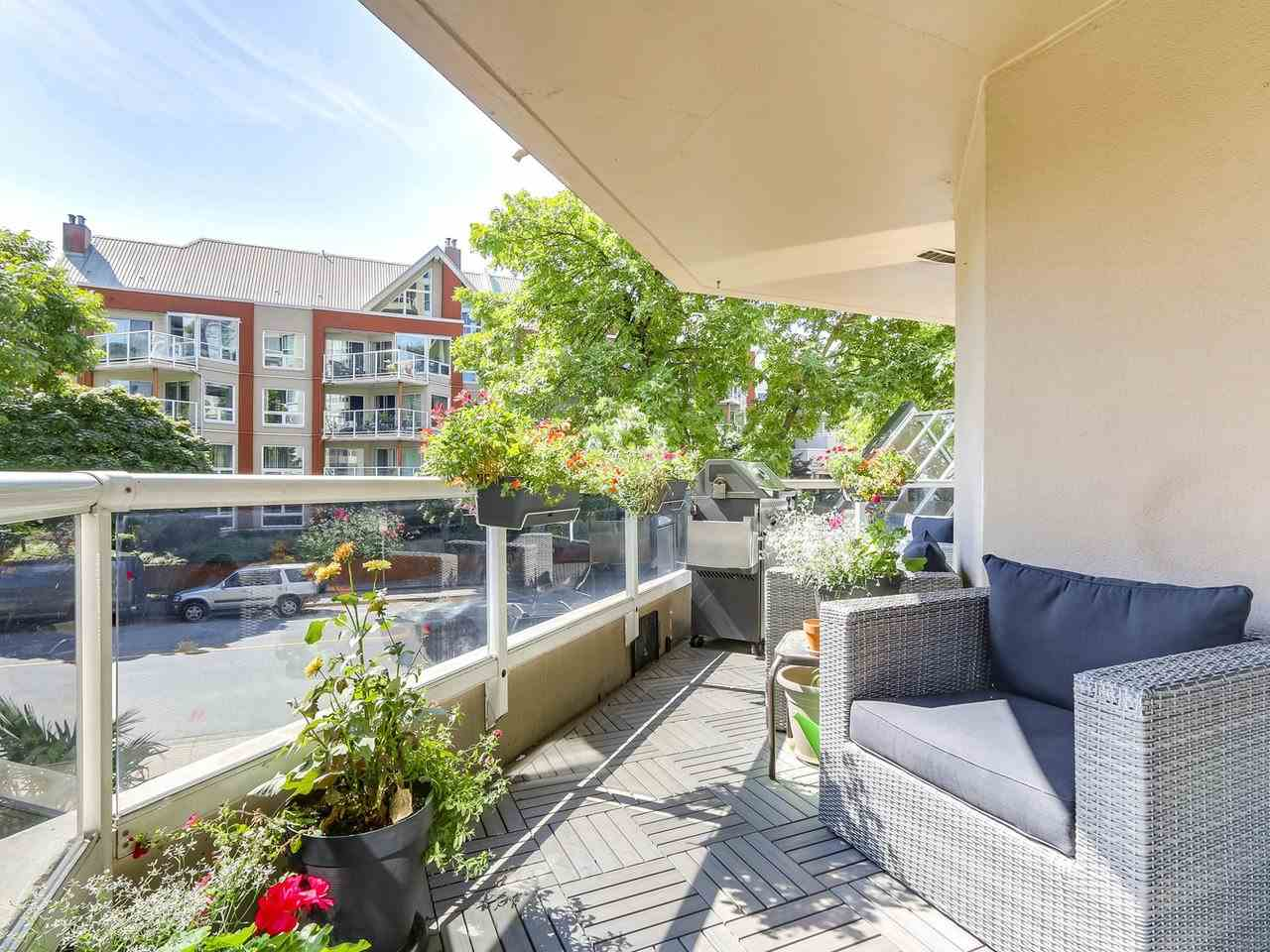 Condo Apartment at 206 1235 QUAYSIDE DRIVE, Unit 206, New Westminster, British Columbia. Image 17