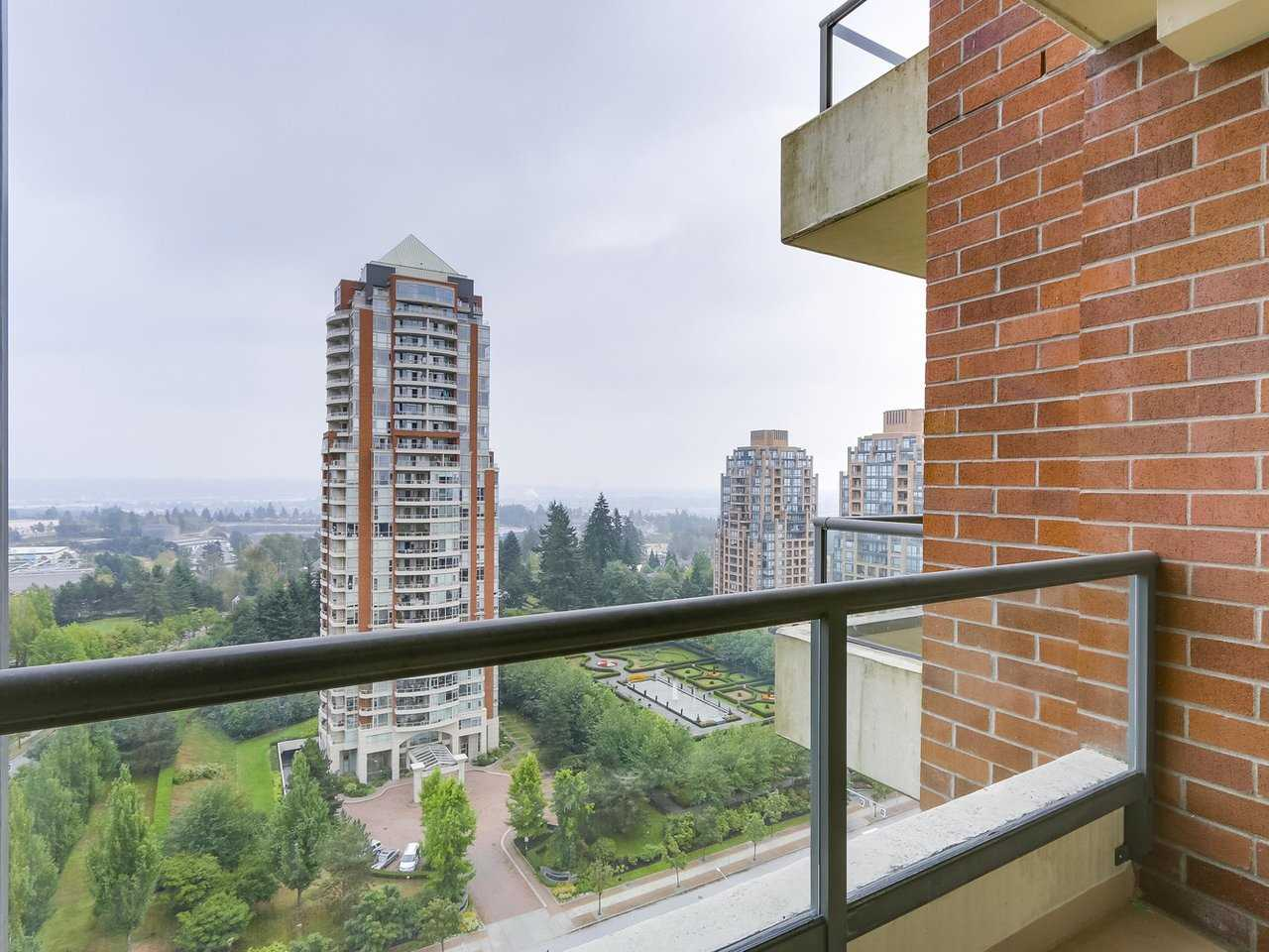 Condo Apartment at 1903 6837 STATION HILL DRIVE, Unit 1903, Burnaby South, British Columbia. Image 4