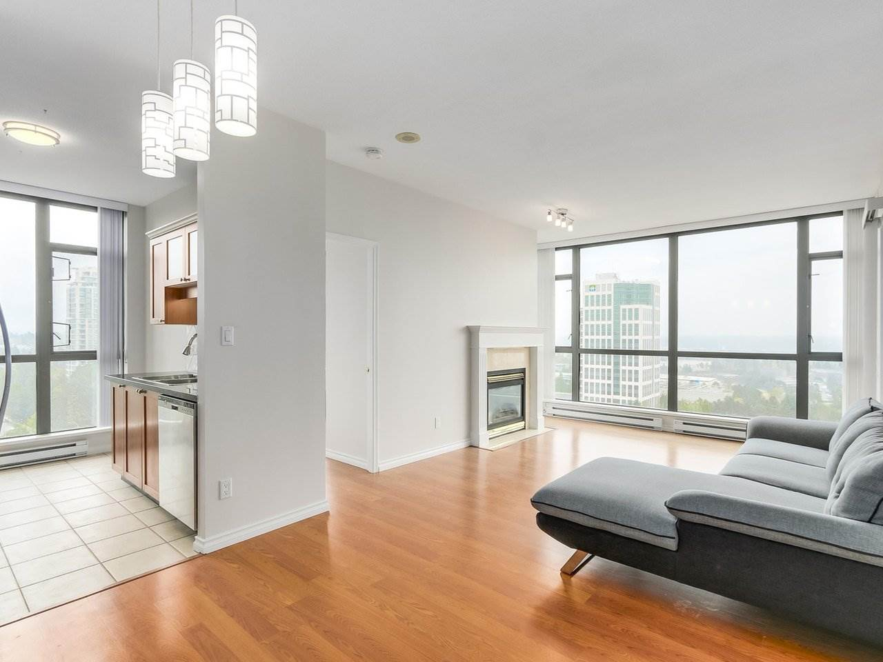 Condo Apartment at 1903 6837 STATION HILL DRIVE, Unit 1903, Burnaby South, British Columbia. Image 5