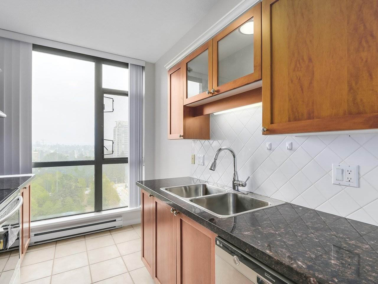 Condo Apartment at 1903 6837 STATION HILL DRIVE, Unit 1903, Burnaby South, British Columbia. Image 8