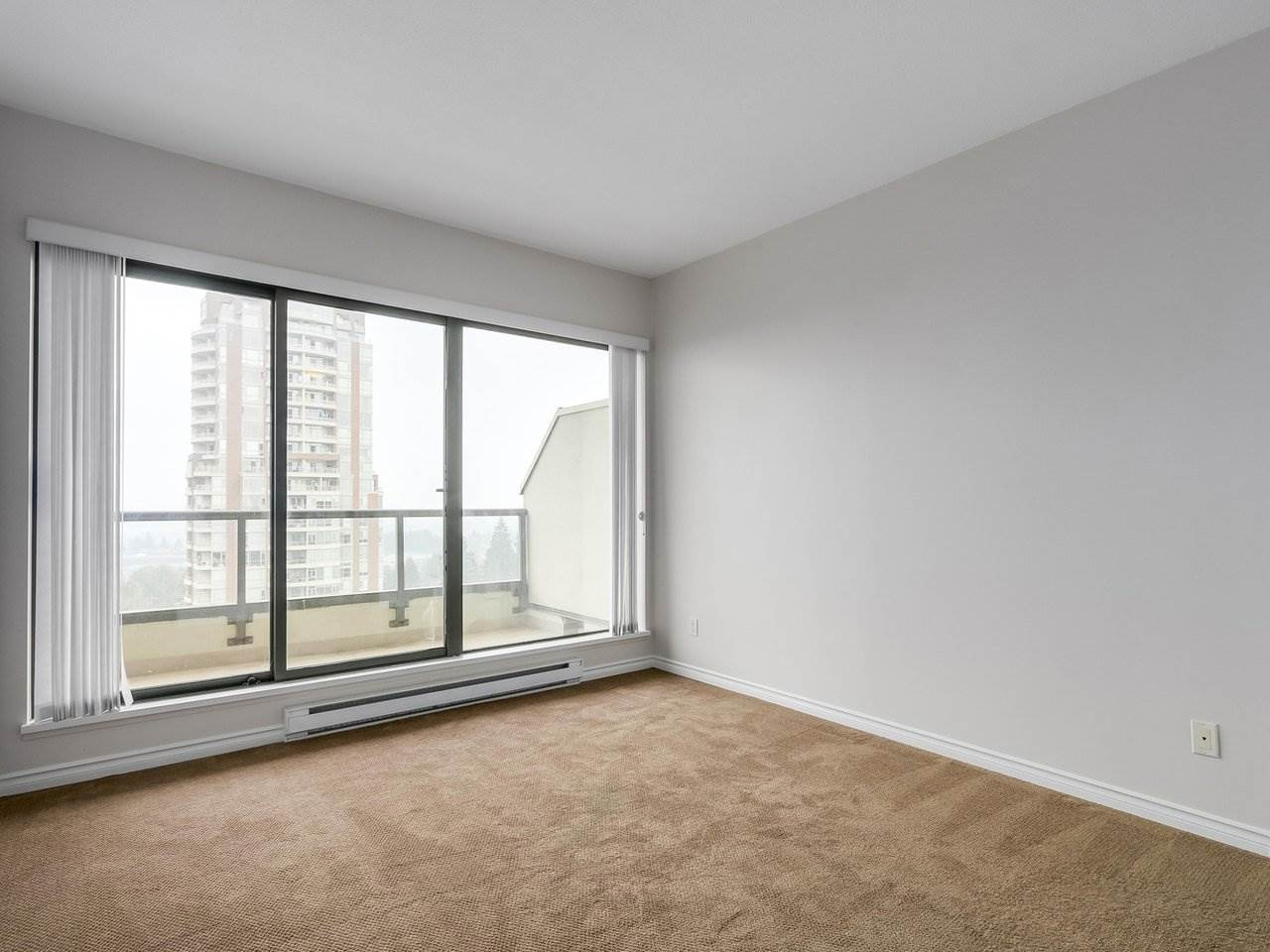Condo Apartment at 1903 6837 STATION HILL DRIVE, Unit 1903, Burnaby South, British Columbia. Image 10