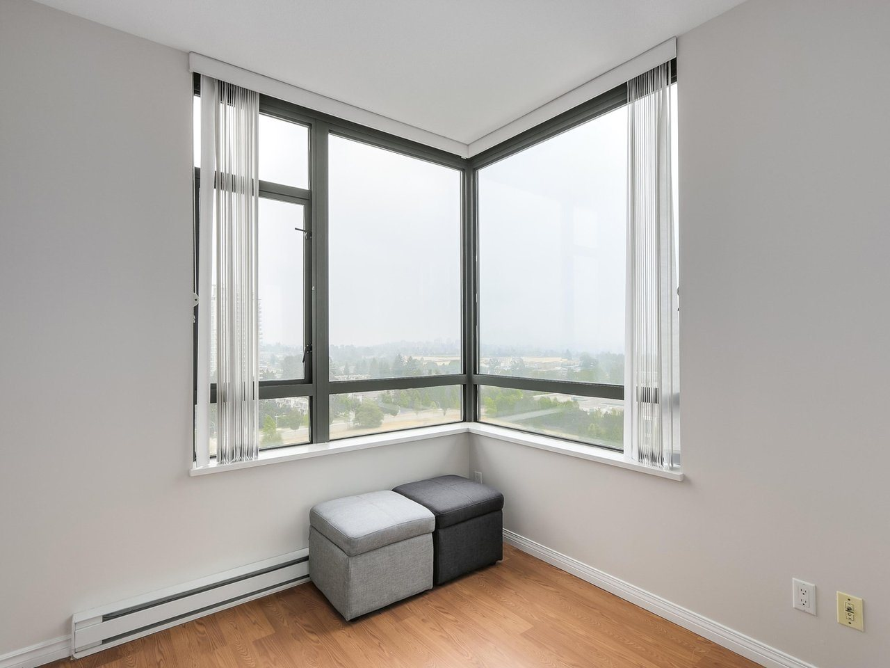 Condo Apartment at 1903 6837 STATION HILL DRIVE, Unit 1903, Burnaby South, British Columbia. Image 13