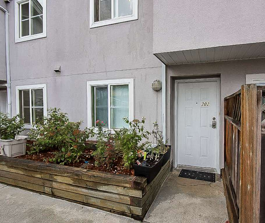 Townhouse at 202 6930 BALMORAL STREET, Unit 202, Burnaby South, British Columbia. Image 5