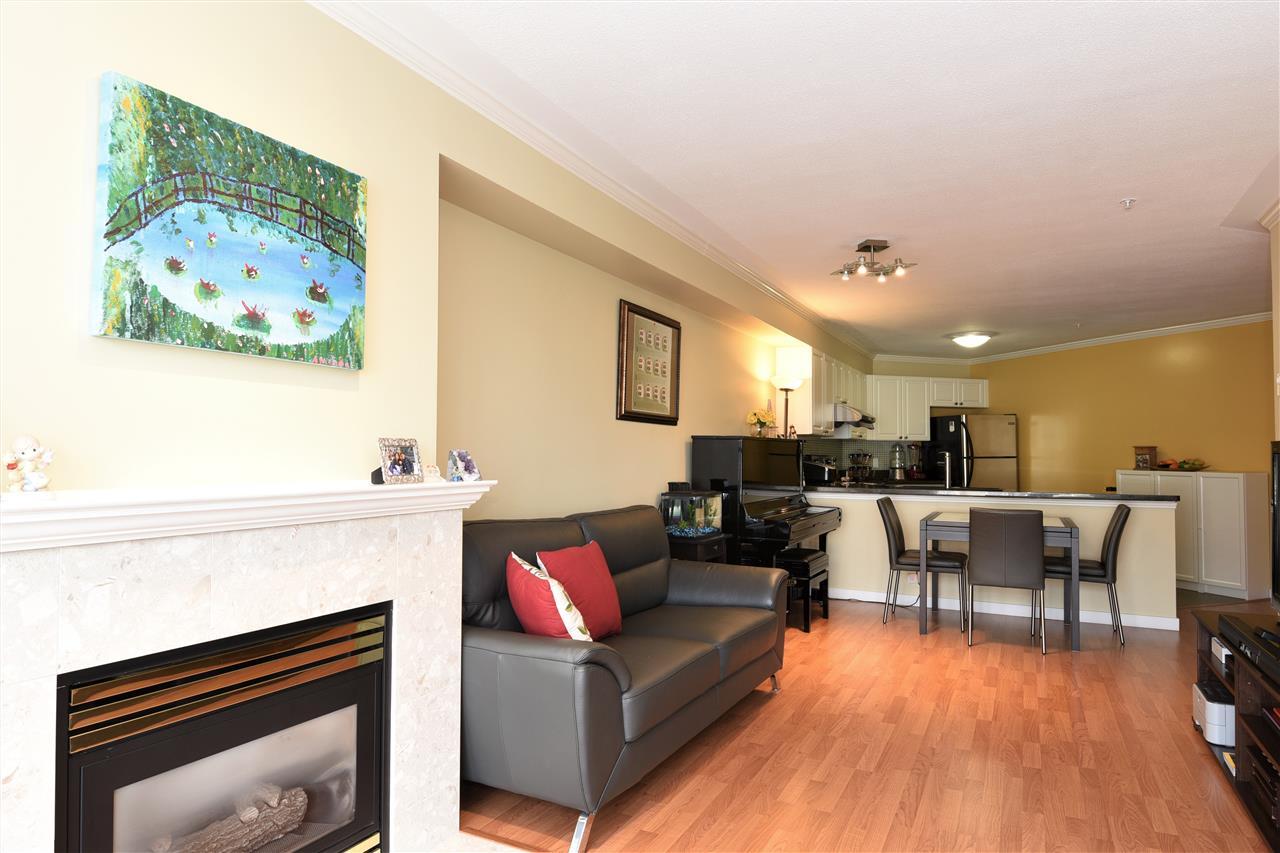 Condo Apartment at 329 5880 DOVER CRESCENT, Unit 329, Richmond, British Columbia. Image 11