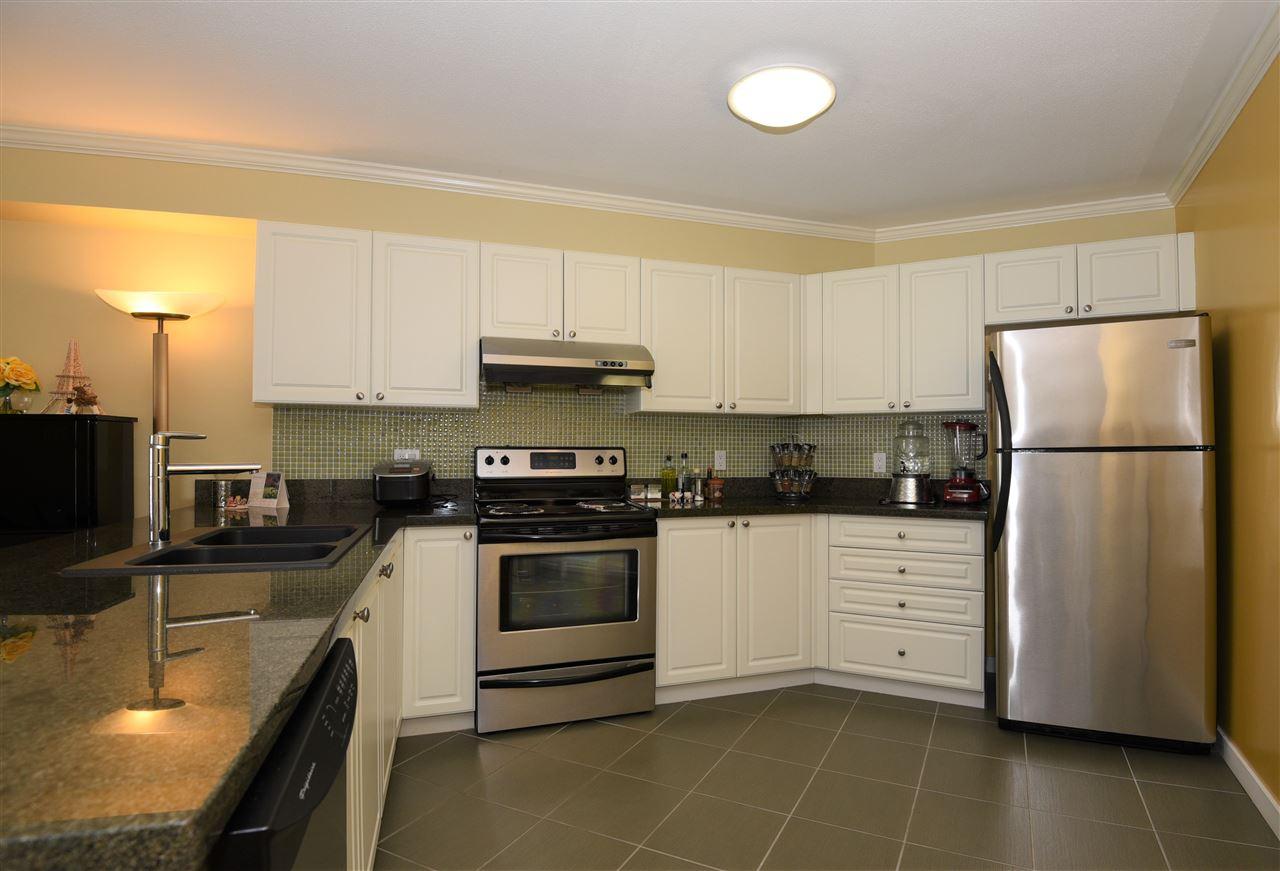 Condo Apartment at 329 5880 DOVER CRESCENT, Unit 329, Richmond, British Columbia. Image 17