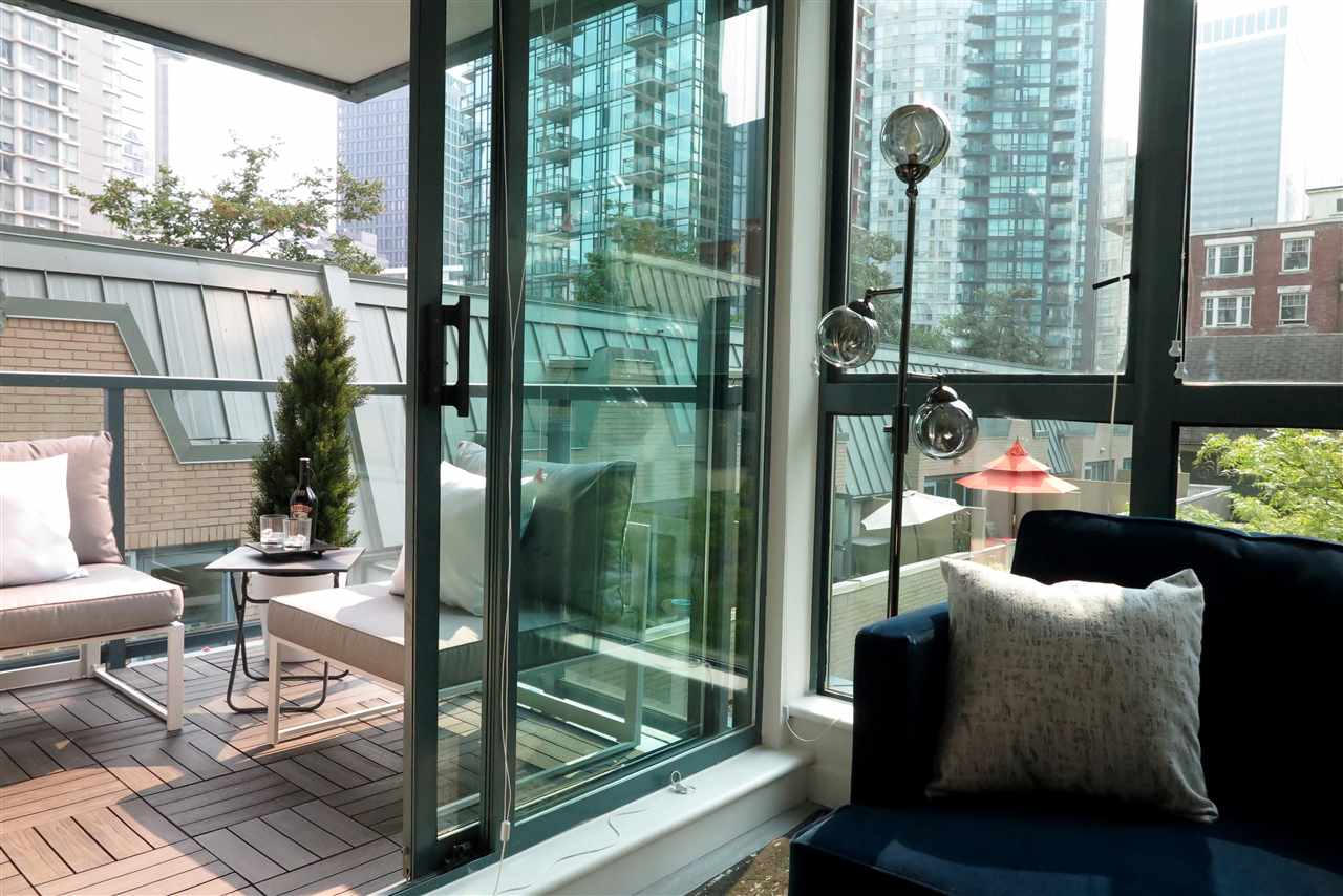 Condo Apartment at 505 1238 MELVILLE STREET, Unit 505, Vancouver West, British Columbia. Image 3