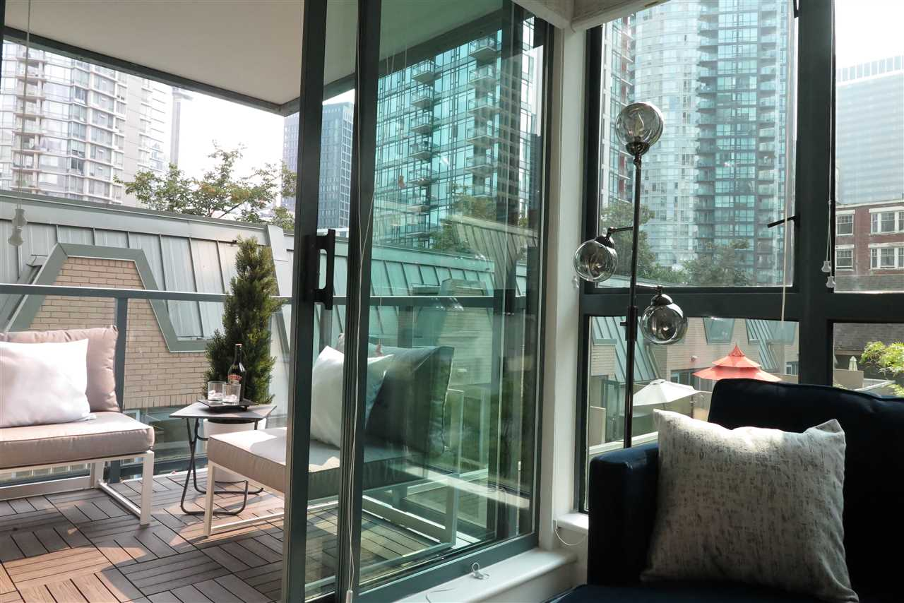 Condo Apartment at 505 1238 MELVILLE STREET, Unit 505, Vancouver West, British Columbia. Image 6