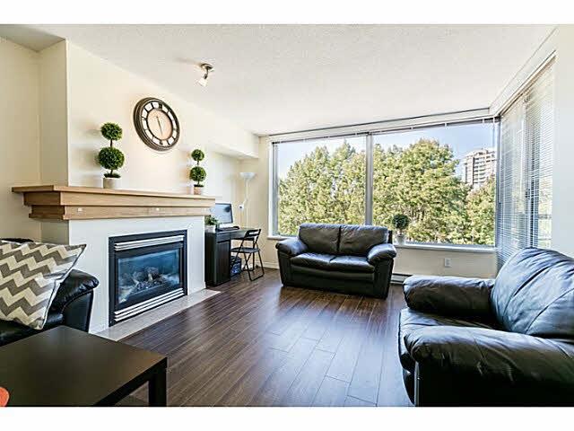 Condo Apartment at 401 5639 HAMPTON PLACE, Unit 401, Vancouver West, British Columbia. Image 4
