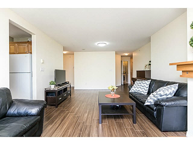 Condo Apartment at 401 5639 HAMPTON PLACE, Unit 401, Vancouver West, British Columbia. Image 5