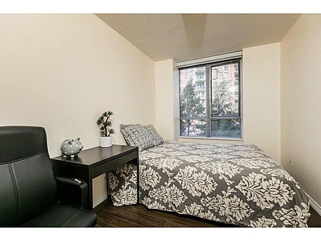 Condo Apartment at 401 5639 HAMPTON PLACE, Unit 401, Vancouver West, British Columbia. Image 8