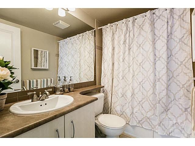 Condo Apartment at 401 5639 HAMPTON PLACE, Unit 401, Vancouver West, British Columbia. Image 10