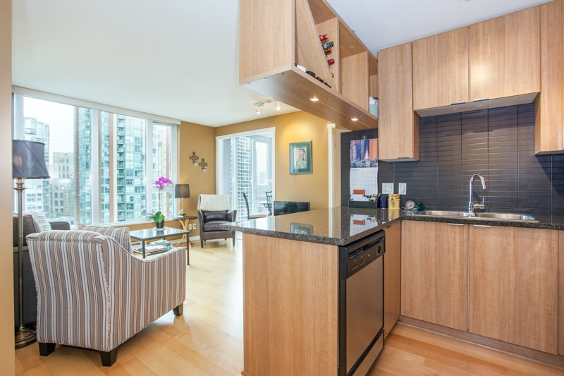 Condo Apartment at 1604 1010 RICHARDS STREET, Unit 1604, Vancouver West, British Columbia. Image 6