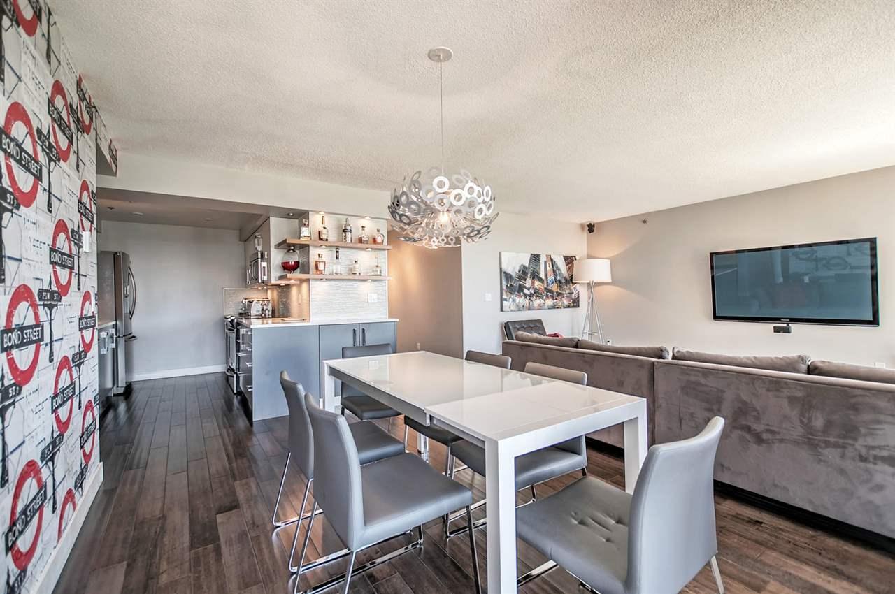 Condo Apartment at 1702 289 DRAKE STREET, Unit 1702, Vancouver West, British Columbia. Image 5
