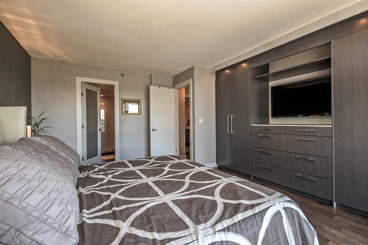 Condo Apartment at 1702 289 DRAKE STREET, Unit 1702, Vancouver West, British Columbia. Image 12