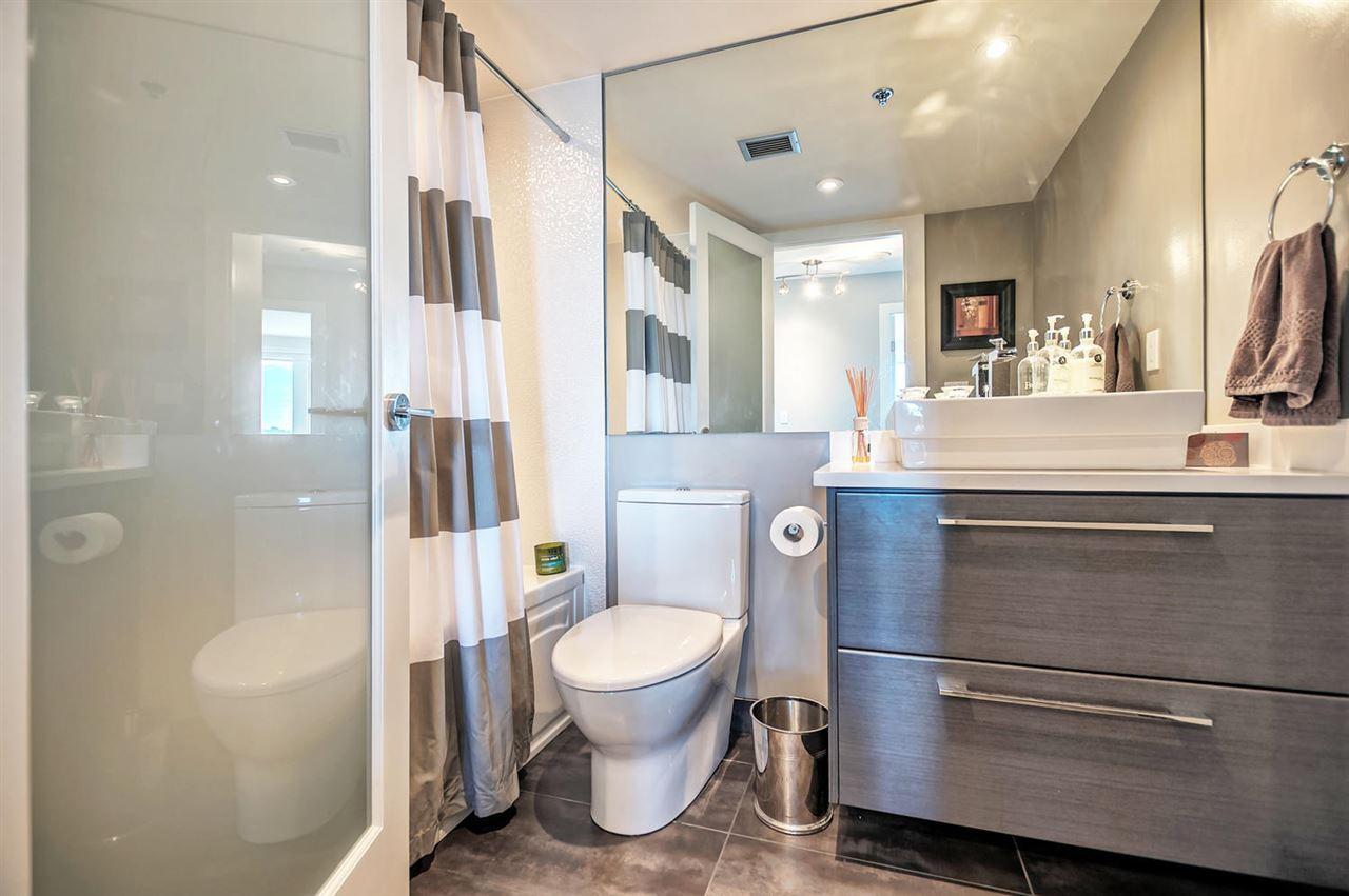 Condo Apartment at 1702 289 DRAKE STREET, Unit 1702, Vancouver West, British Columbia. Image 16