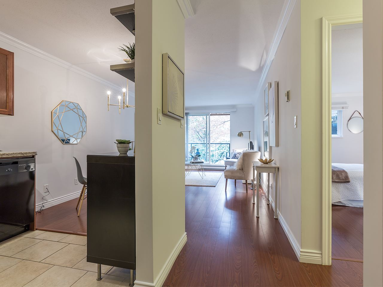 Condo Apartment at 219 1550 BARCLAY STREET, Unit 219, Vancouver West, British Columbia. Image 2