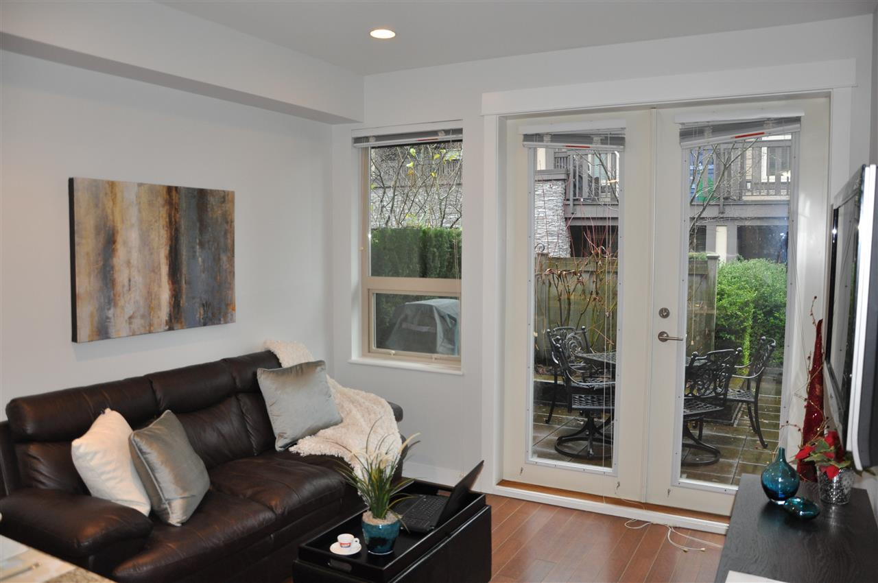 Townhouse at 320 E 14TH STREET, North Vancouver, British Columbia. Image 6