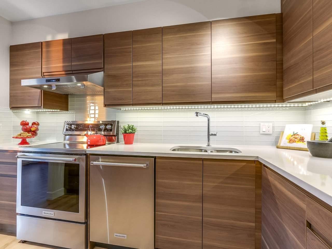 Condo Apartment at 1806 6540 BURLINGTON AVENUE, Unit 1806, Burnaby South, British Columbia. Image 7