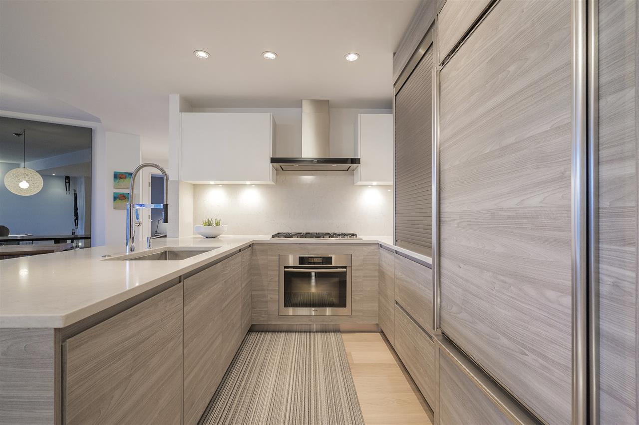 Condo Apartment at 303 628 KINGHORNE MEWS, Unit 303, Vancouver West, British Columbia. Image 7