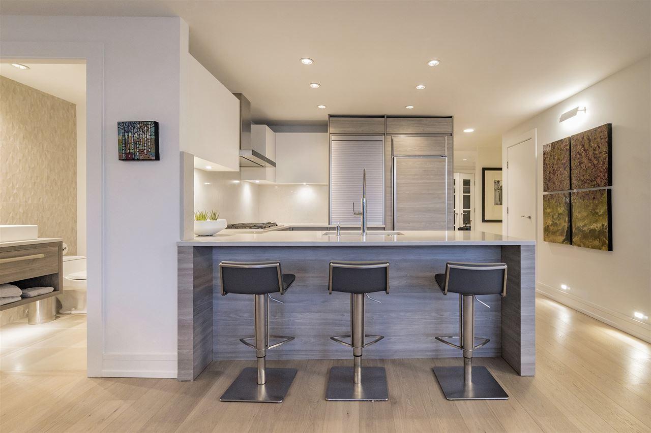 Condo Apartment at 303 628 KINGHORNE MEWS, Unit 303, Vancouver West, British Columbia. Image 9