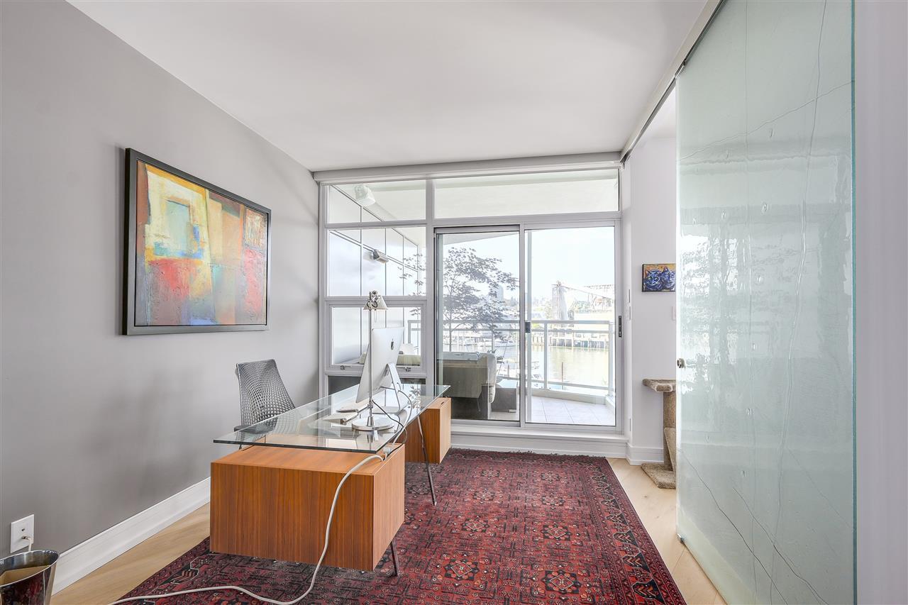 Condo Apartment at 303 628 KINGHORNE MEWS, Unit 303, Vancouver West, British Columbia. Image 12