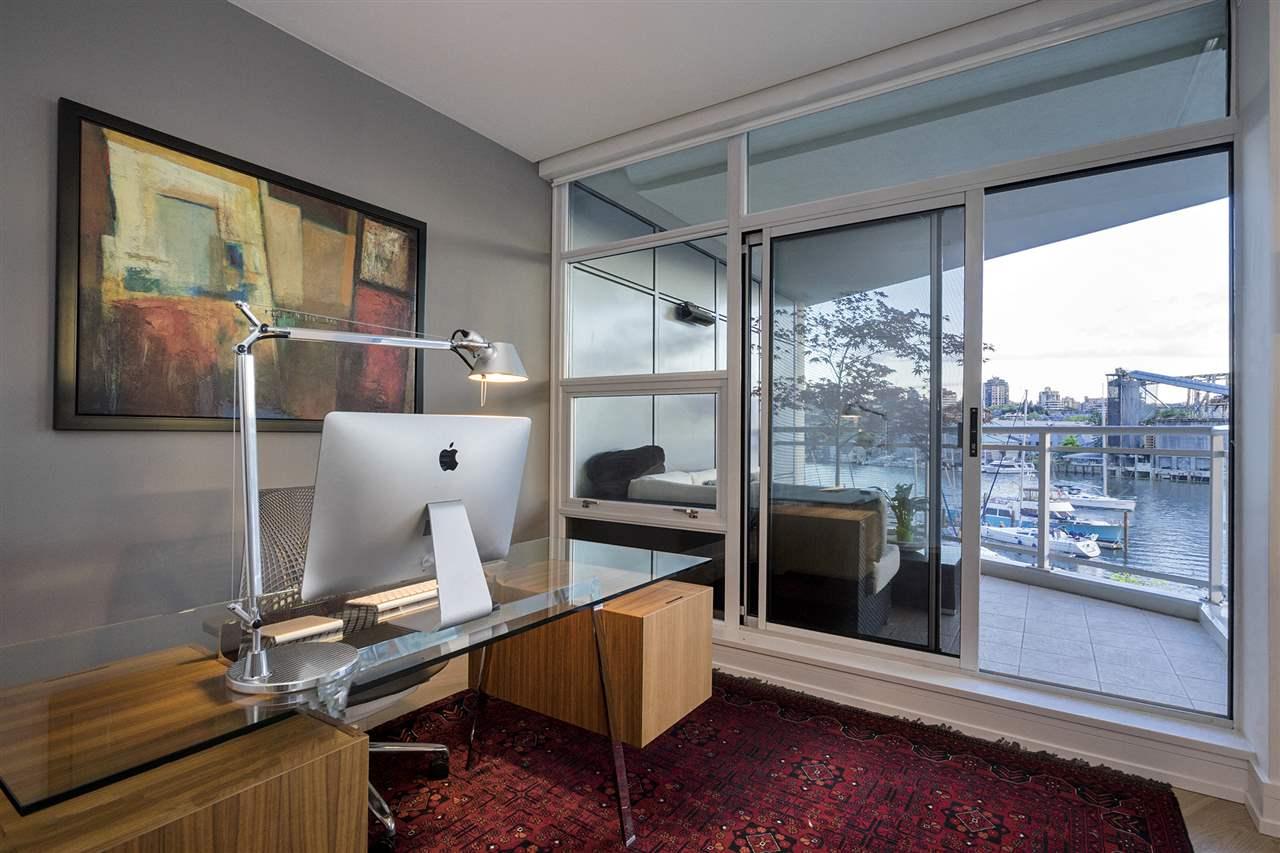 Condo Apartment at 303 628 KINGHORNE MEWS, Unit 303, Vancouver West, British Columbia. Image 13