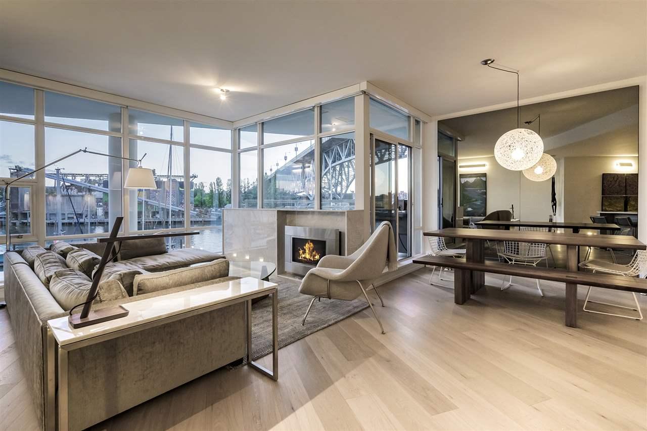 Condo Apartment at 303 628 KINGHORNE MEWS, Unit 303, Vancouver West, British Columbia. Image 14