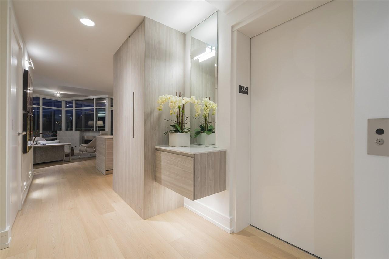 Condo Apartment at 303 628 KINGHORNE MEWS, Unit 303, Vancouver West, British Columbia. Image 17