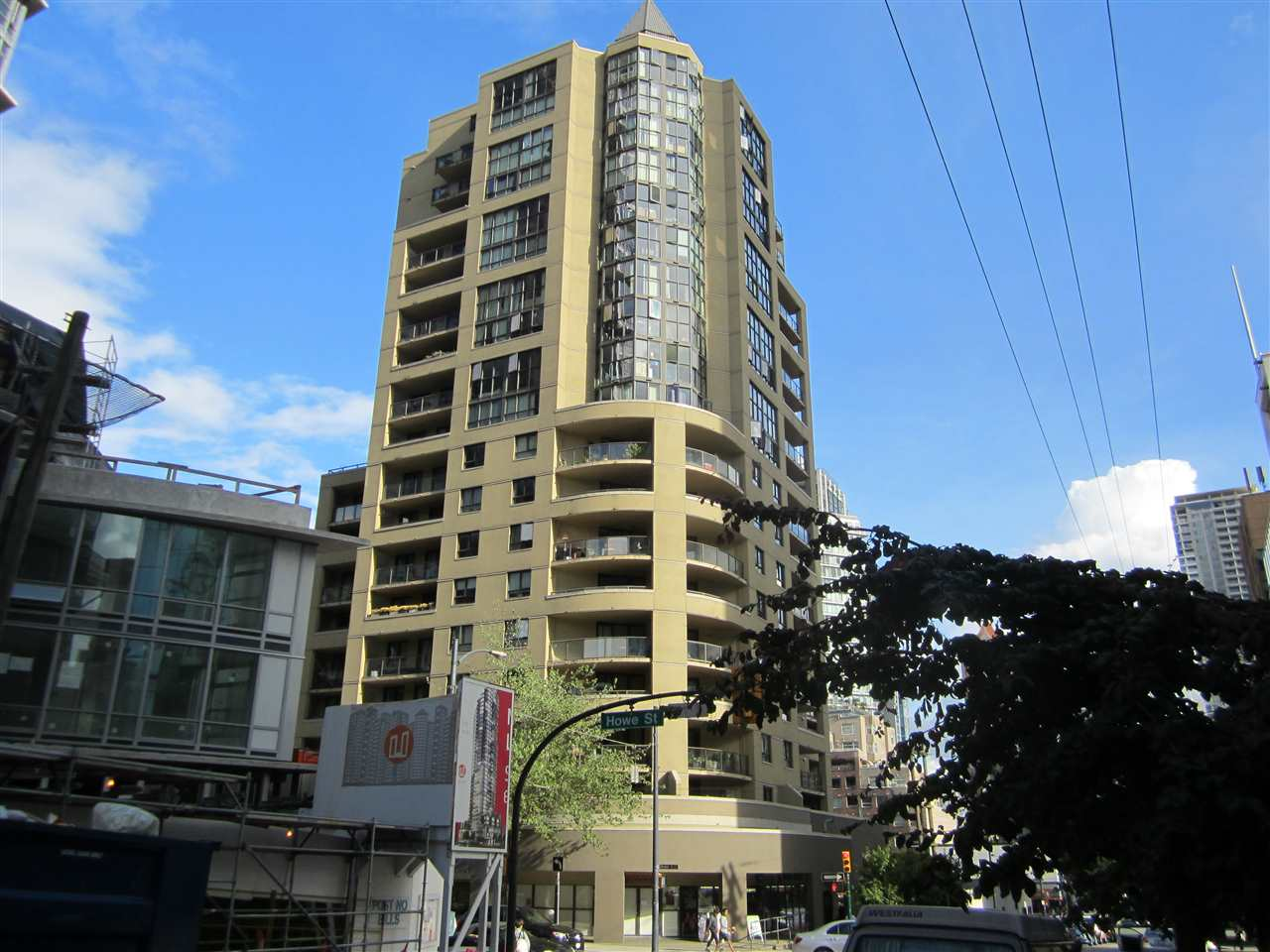 Condo Apartment at 706 789 DRAKE STREET, Unit 706, Vancouver West, British Columbia. Image 1