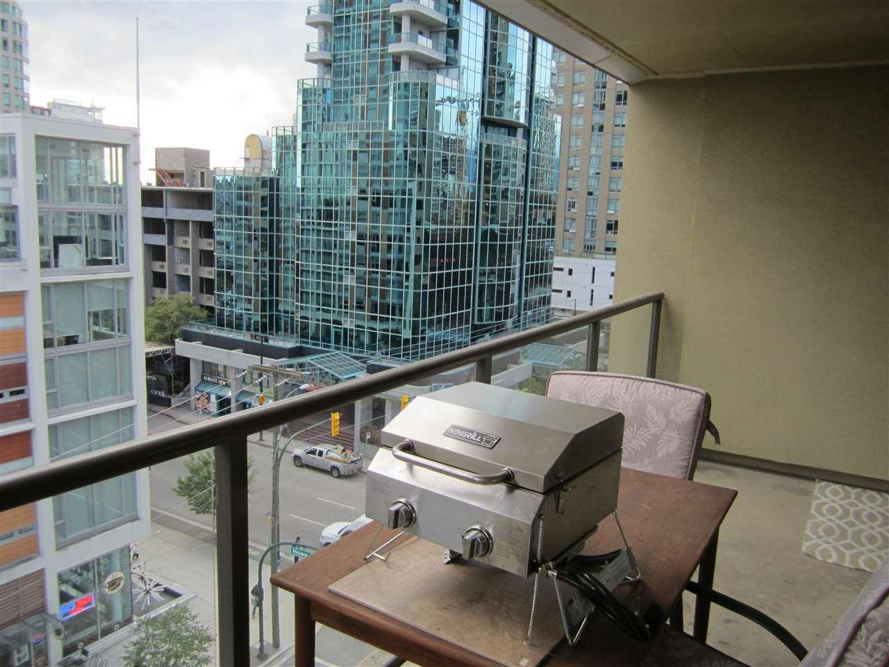 Condo Apartment at 706 789 DRAKE STREET, Unit 706, Vancouver West, British Columbia. Image 13
