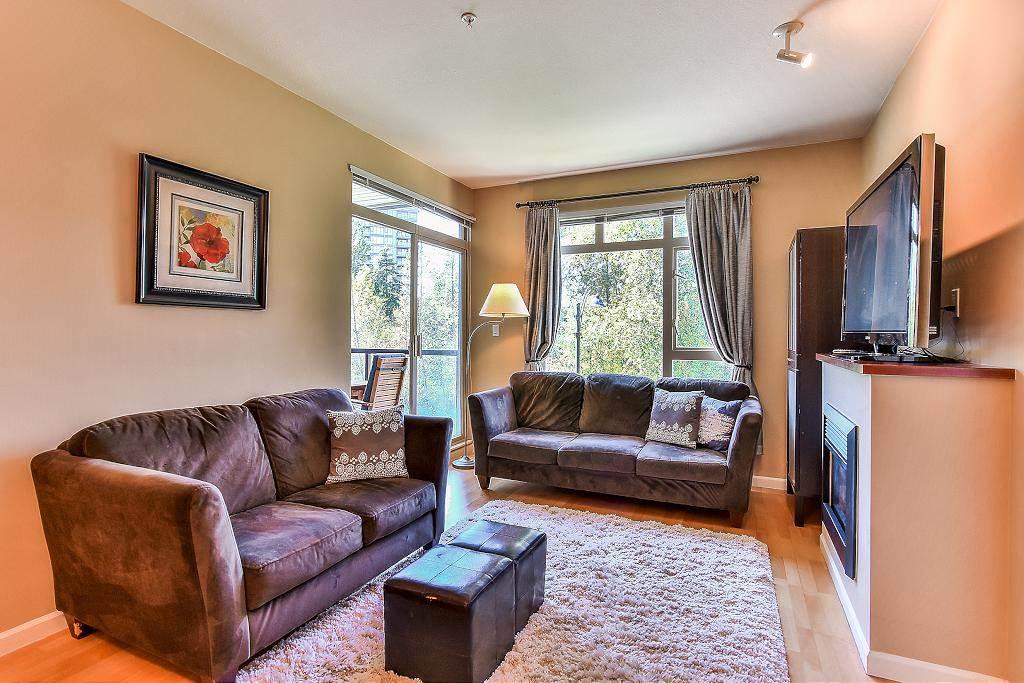Condo Apartment at 301 100 CAPILANO ROAD, Unit 301, Port Moody, British Columbia. Image 3