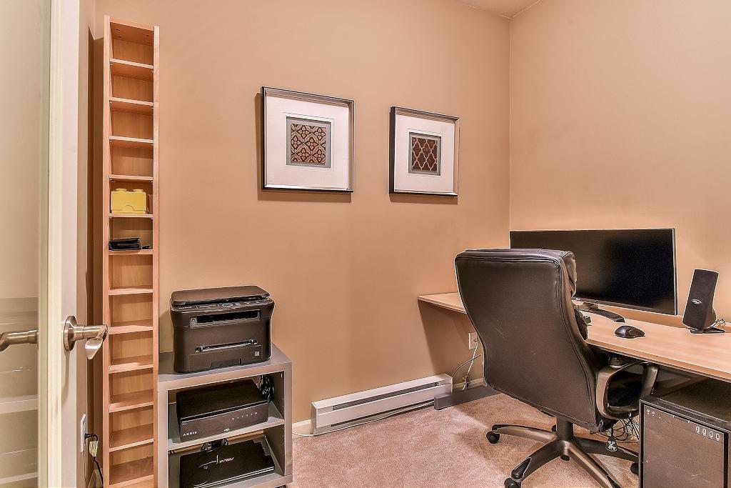 Condo Apartment at 301 100 CAPILANO ROAD, Unit 301, Port Moody, British Columbia. Image 11