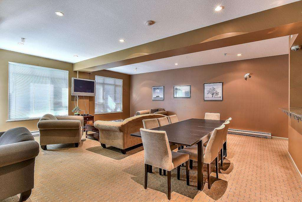 Condo Apartment at 301 100 CAPILANO ROAD, Unit 301, Port Moody, British Columbia. Image 17