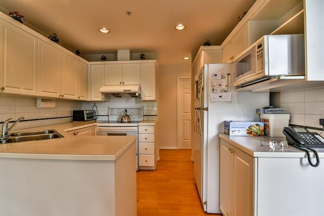 Townhouse at 49 1370 RIVERWOOD GATE, Unit 49, Port Coquitlam, British Columbia. Image 7