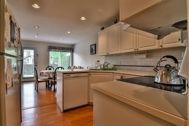 Townhouse at 49 1370 RIVERWOOD GATE, Unit 49, Port Coquitlam, British Columbia. Image 10