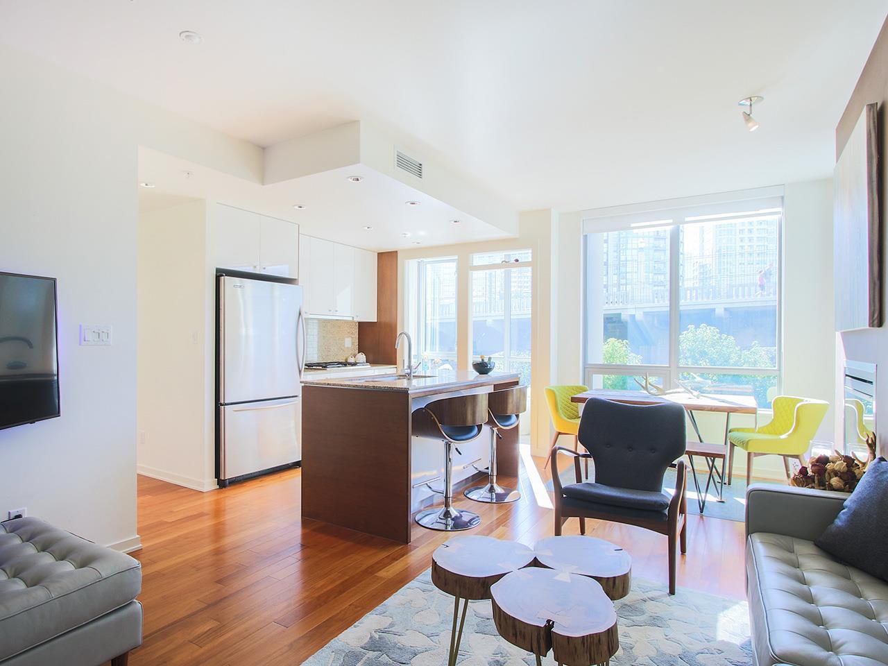 Condo Apartment at 501 1005 BEACH AVENUE, Unit 501, Vancouver West, British Columbia. Image 2