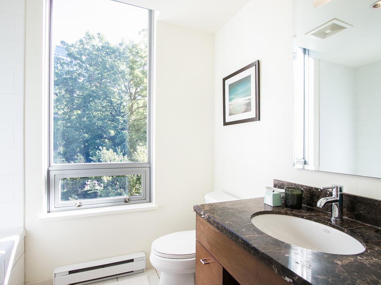 Condo Apartment at 501 1005 BEACH AVENUE, Unit 501, Vancouver West, British Columbia. Image 12