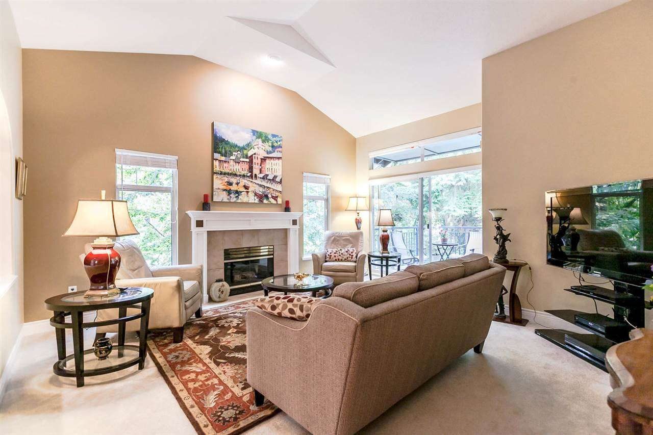 Townhouse at 1172 STRATHAVEN DRIVE, North Vancouver, British Columbia. Image 6