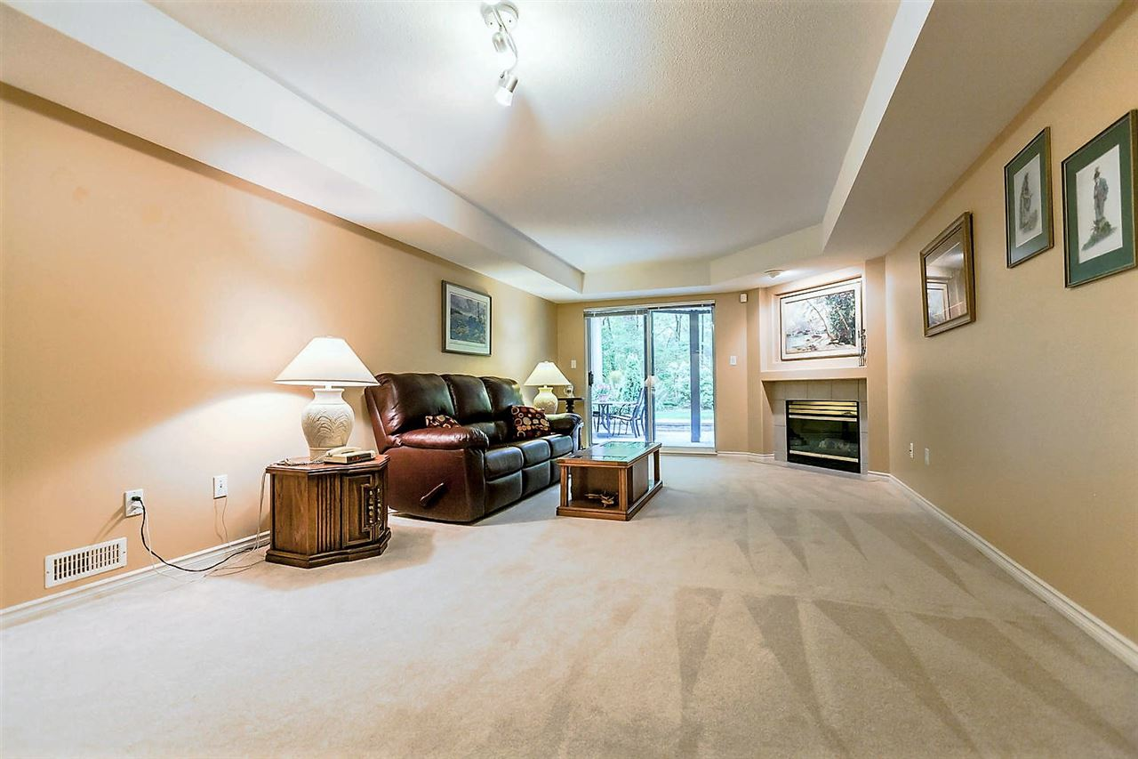Townhouse at 1172 STRATHAVEN DRIVE, North Vancouver, British Columbia. Image 12