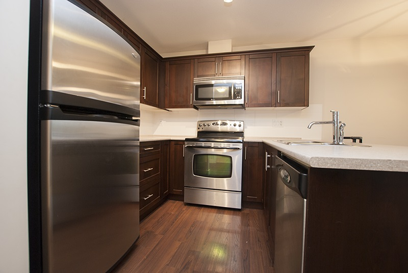 Condo Apartment at 411 46150 BOLE AVENUE, Unit 411, Chilliwack, British Columbia. Image 2