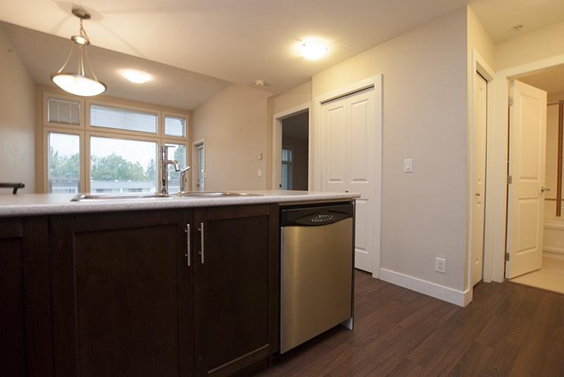 Condo Apartment at 411 46150 BOLE AVENUE, Unit 411, Chilliwack, British Columbia. Image 3