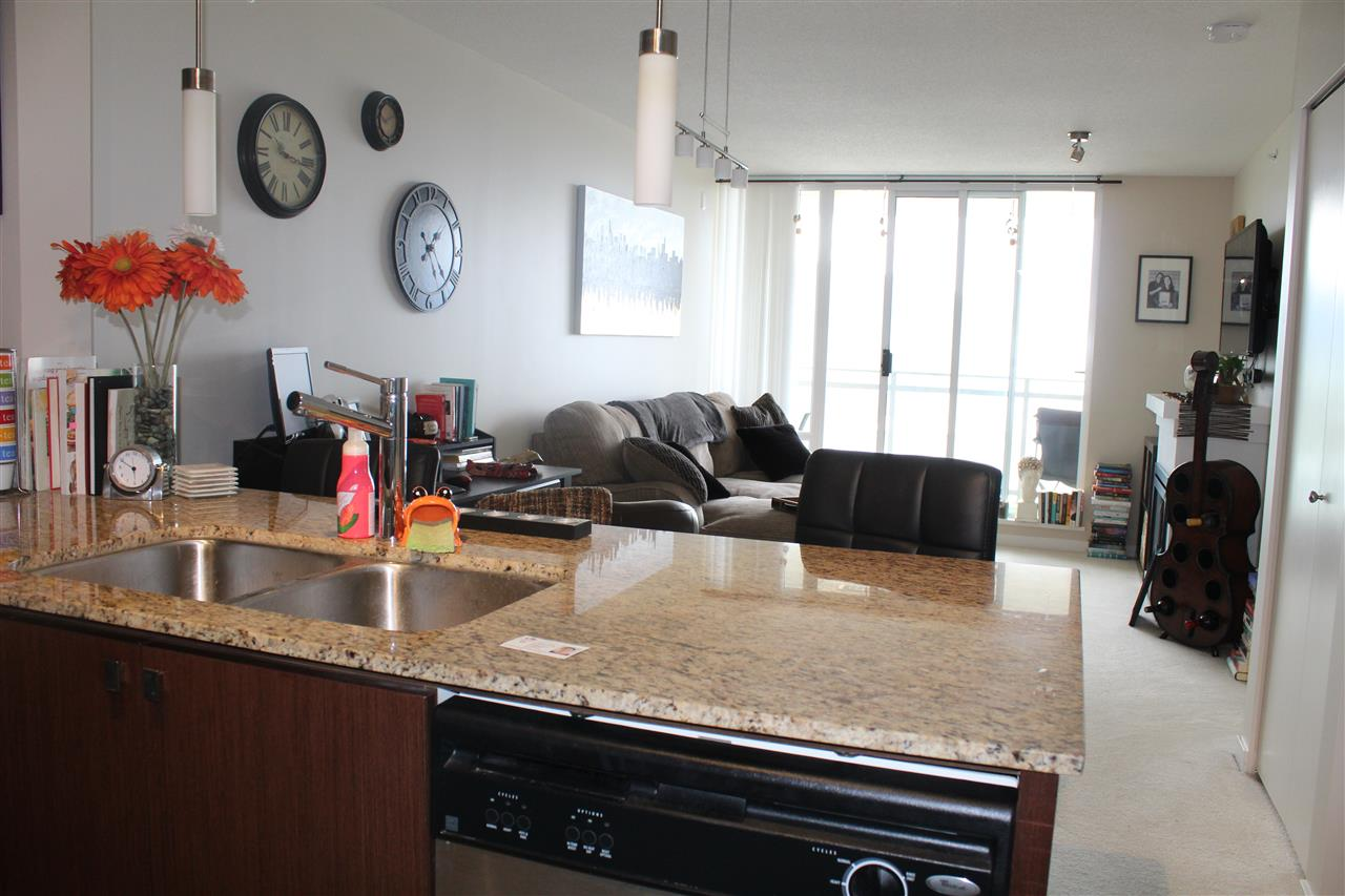 Condo Apartment at 3301 9888 CAMERON STREET, Unit 3301, Burnaby North, British Columbia. Image 5