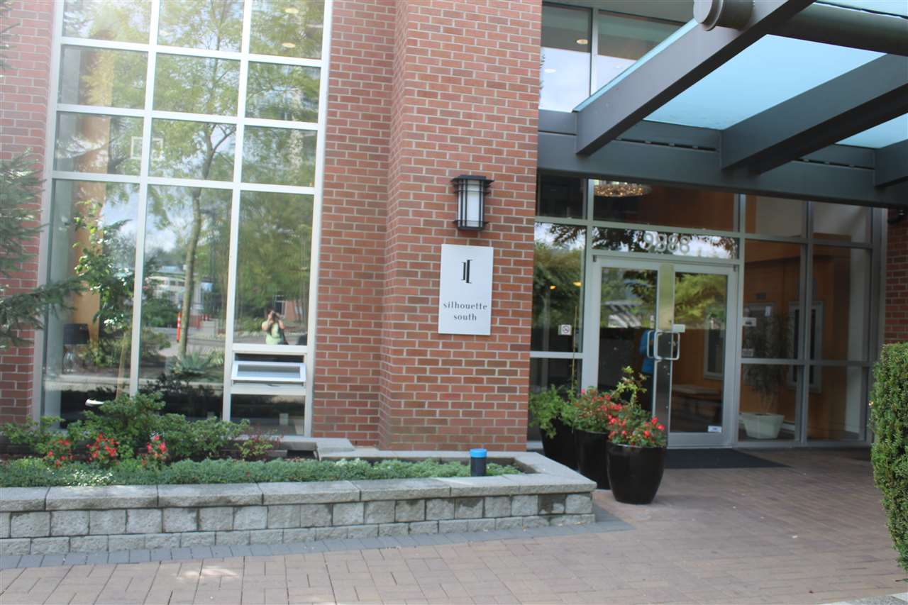 Condo Apartment at 3301 9888 CAMERON STREET, Unit 3301, Burnaby North, British Columbia. Image 12