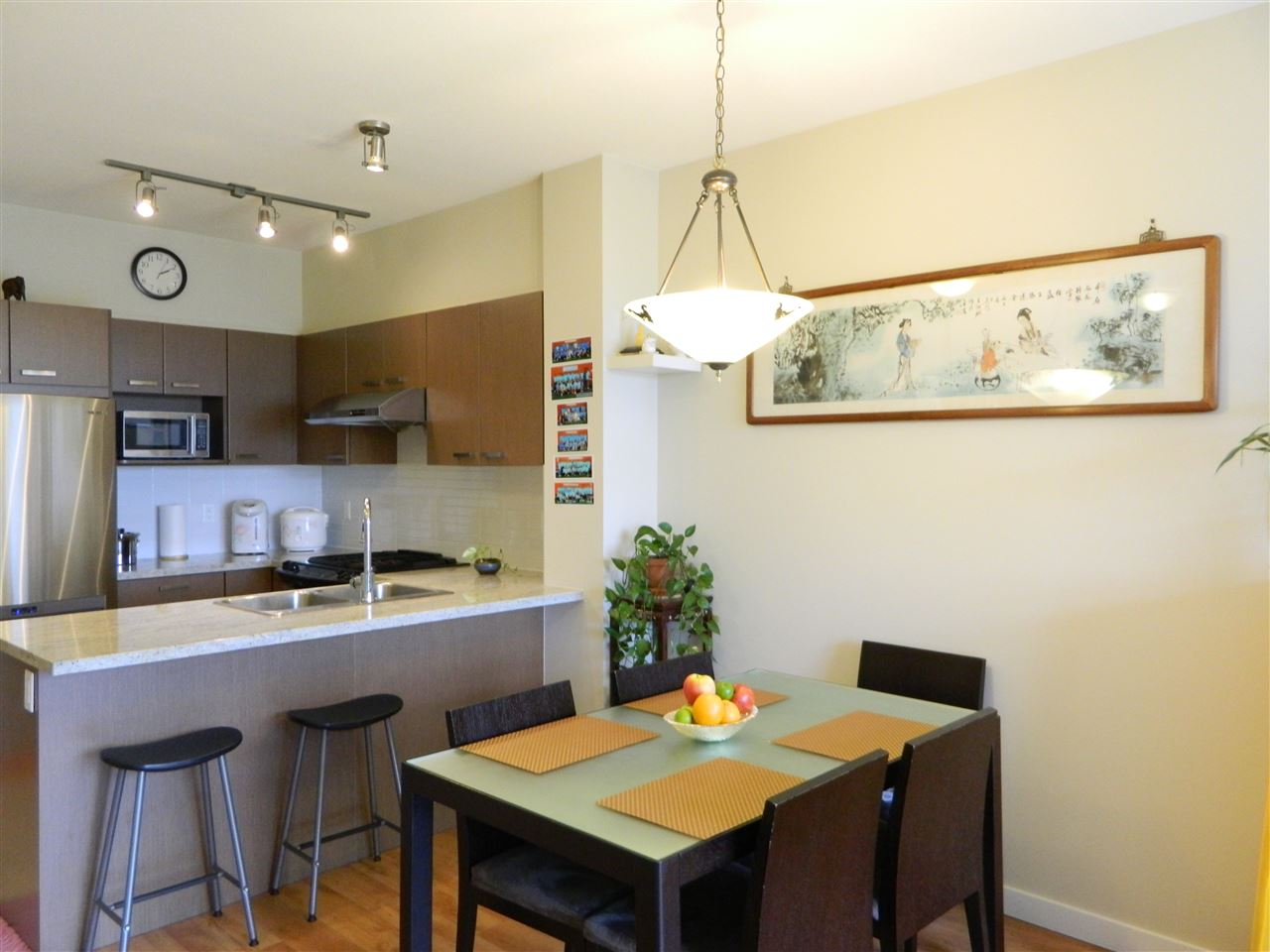 Condo Apartment at 406 9500 ODLIN ROAD, Unit 406, Richmond, British Columbia. Image 2