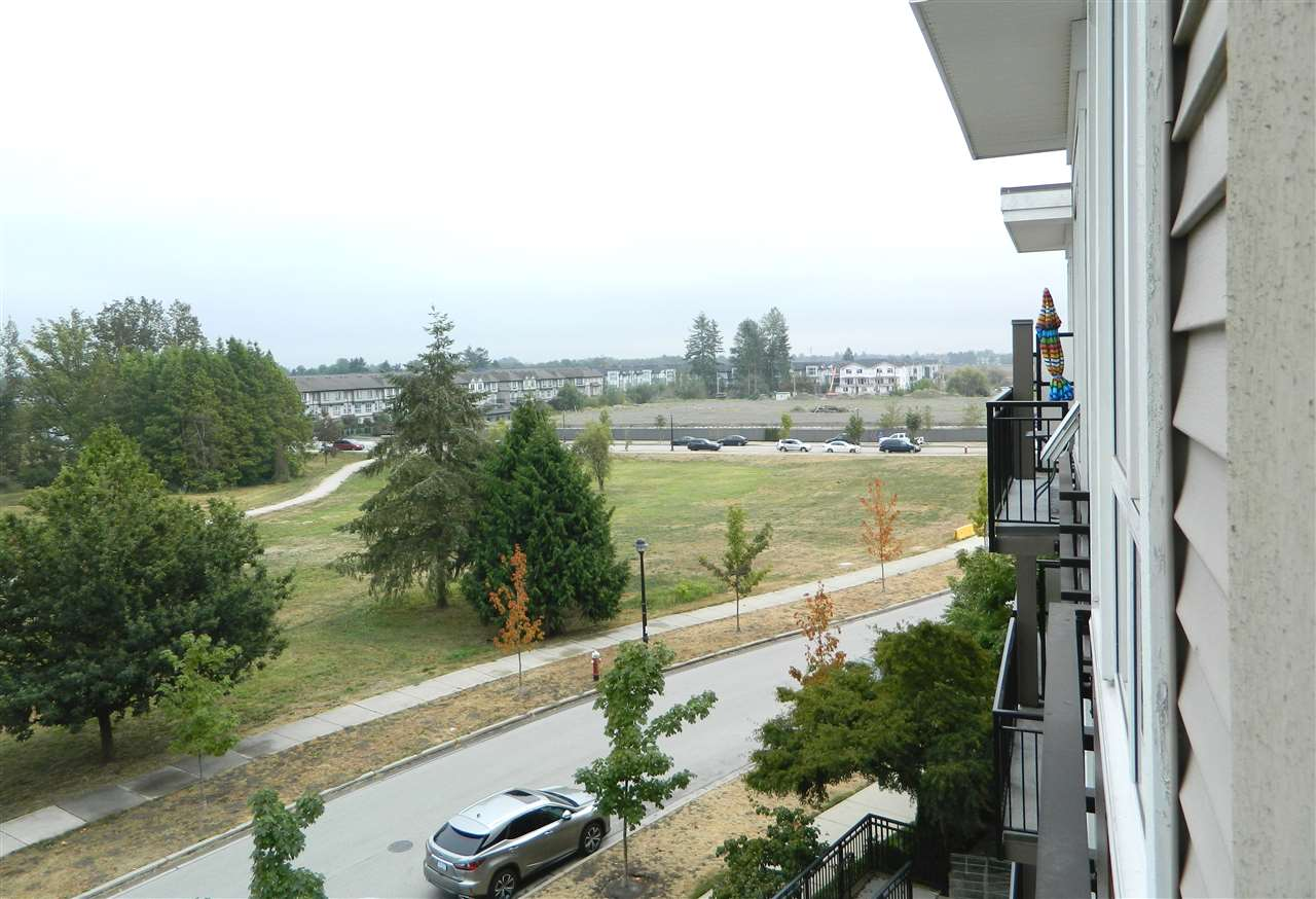 Condo Apartment at 406 9500 ODLIN ROAD, Unit 406, Richmond, British Columbia. Image 12