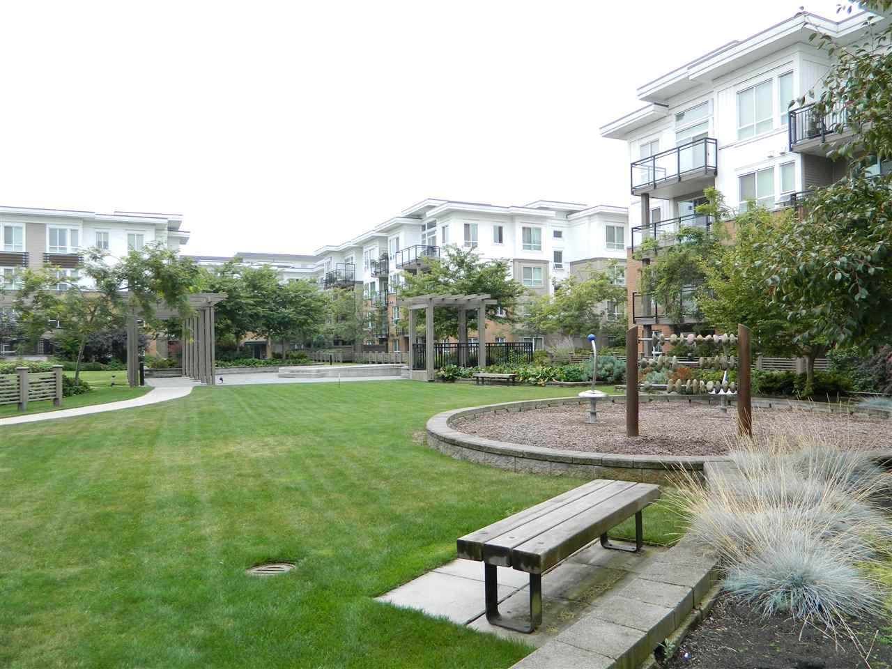 Condo Apartment at 406 9500 ODLIN ROAD, Unit 406, Richmond, British Columbia. Image 16