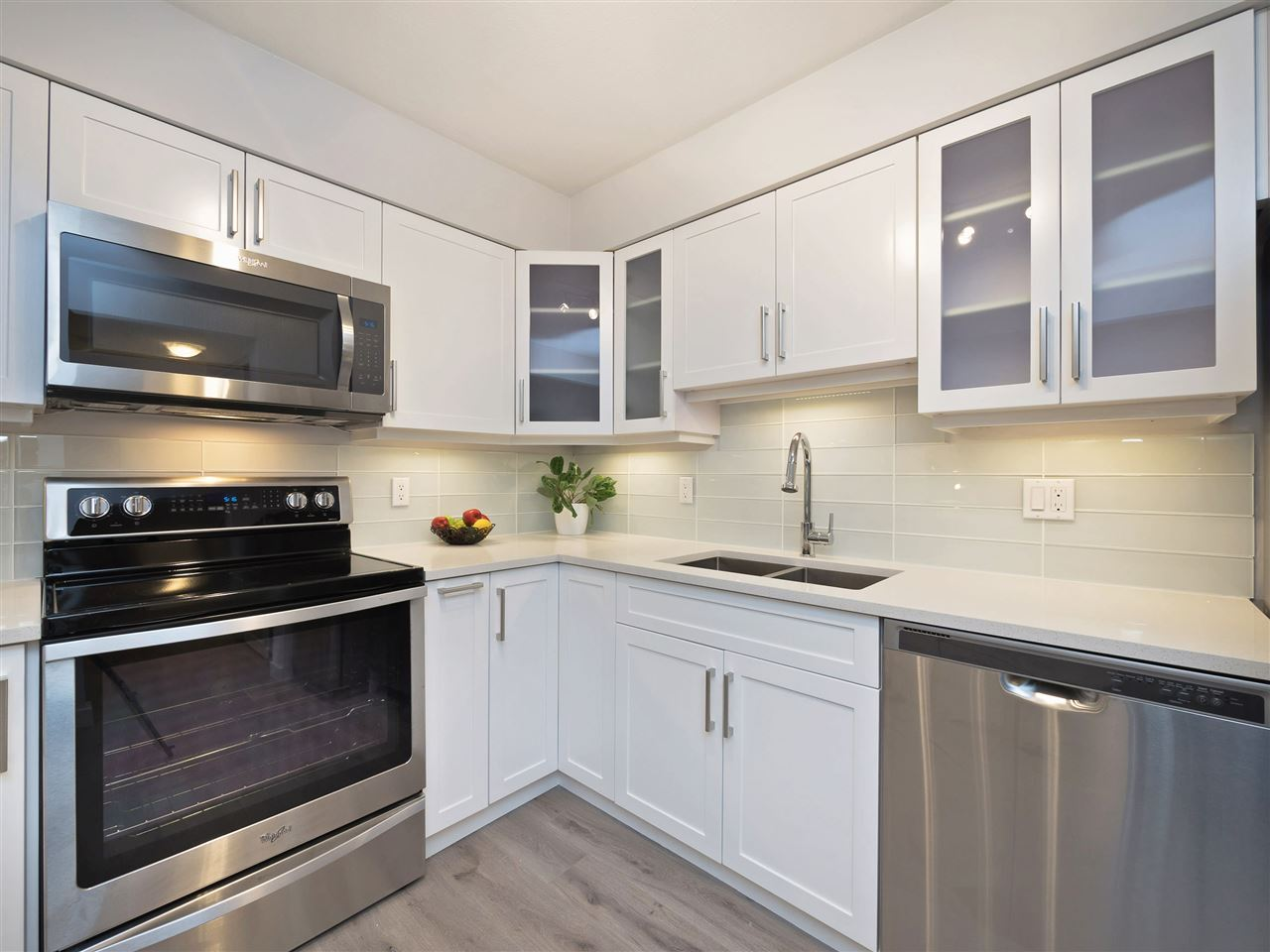 Condo Apartment at 211 1148 WESTWOOD STREET, Unit 211, Coquitlam, British Columbia. Image 3