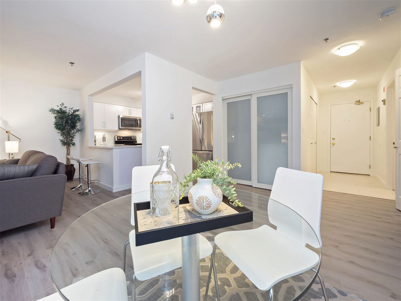 Condo Apartment at 211 1148 WESTWOOD STREET, Unit 211, Coquitlam, British Columbia. Image 5