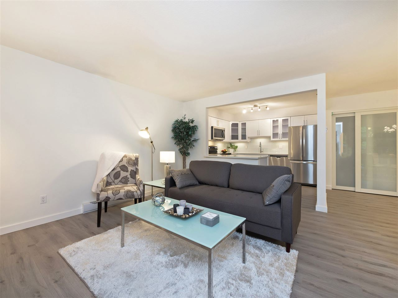Condo Apartment at 211 1148 WESTWOOD STREET, Unit 211, Coquitlam, British Columbia. Image 6
