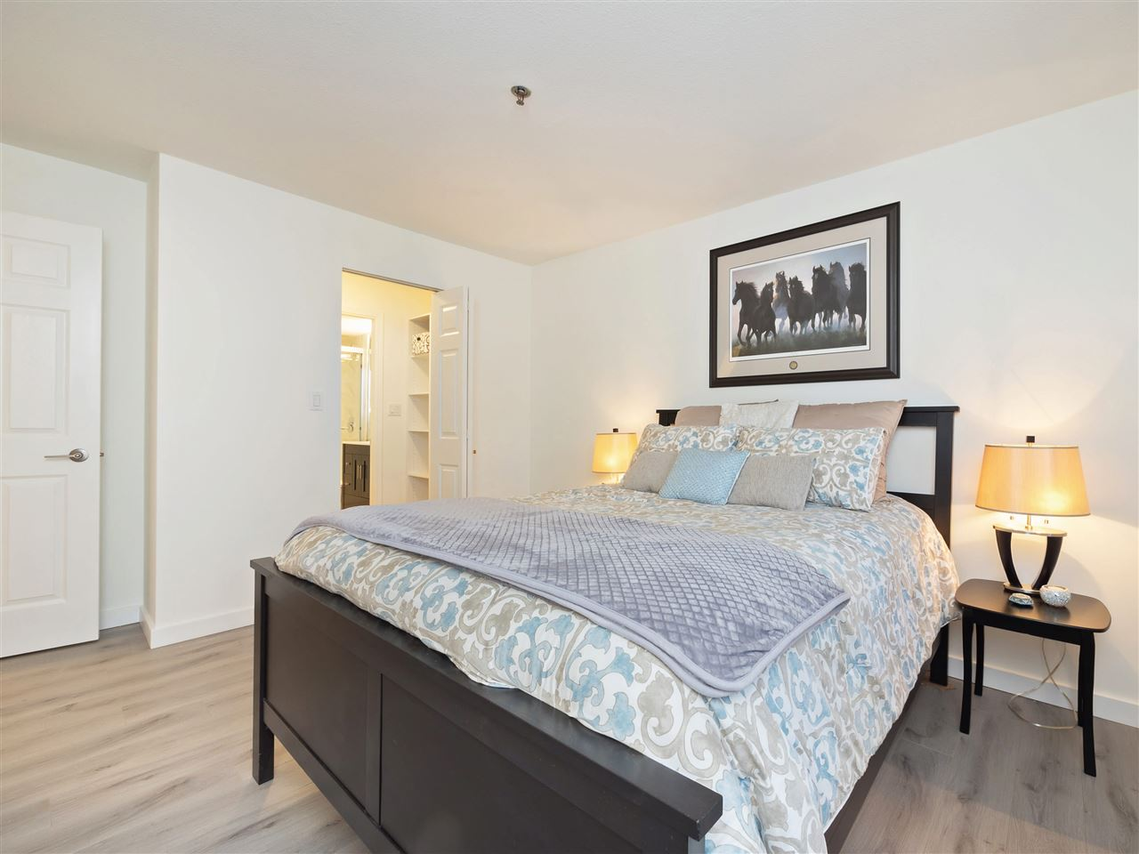 Condo Apartment at 211 1148 WESTWOOD STREET, Unit 211, Coquitlam, British Columbia. Image 13